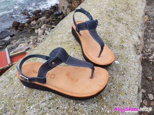 Angelsoft, 1599 CB, Navy (size UK 3 only)