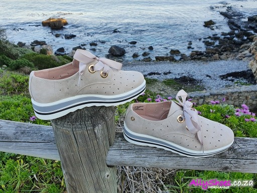 Bronx, Laurent, Nude (size UK 8 only)