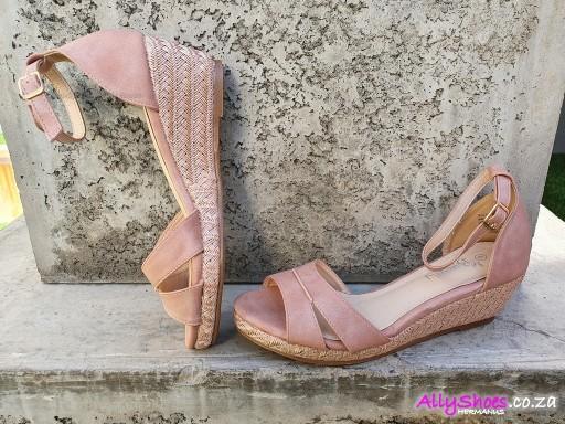 Butterfly, Ballina, Pink