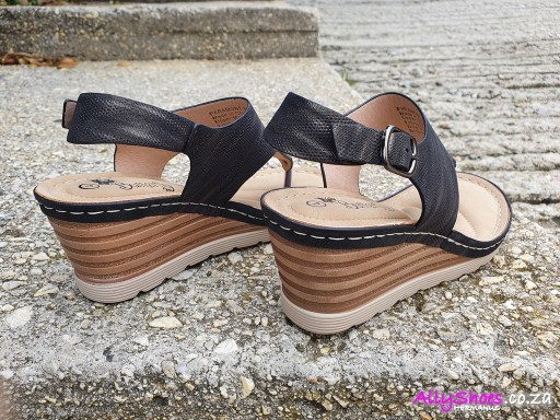 Butterfly, Paramont, Black