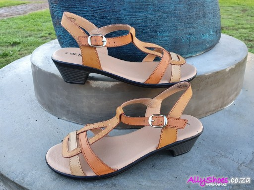 Dr Hart, Ariana, Tan (size UK 8 only)