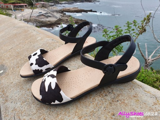 Hotter, Tropic, Black Cow (size UK 5 only)