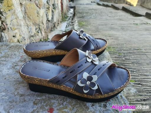 Naked Feet, Cork, Grey (size UK 9 only)