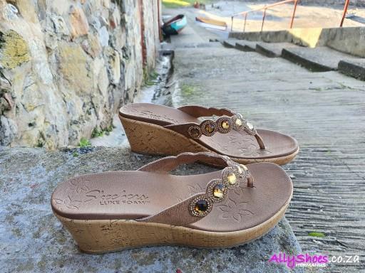 Skechers, Bizzy Babe, Tan (size UK 6 only)