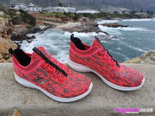 Skechers, Bright Horizon, Pink Black (size UK 8 only)